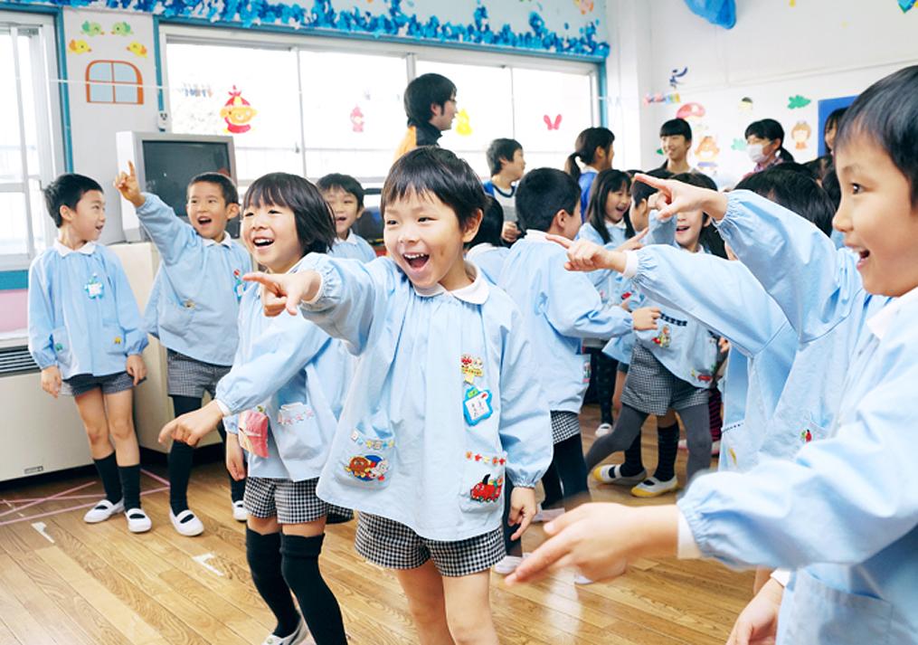 幼稚園のお遊戯の写真