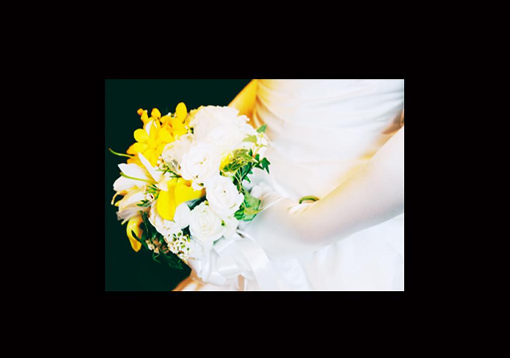 結婚式前の新郎新婦の写真