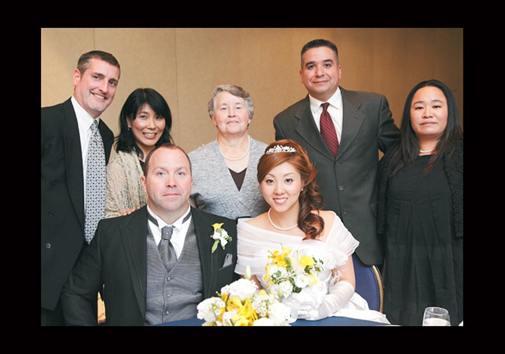 結婚式で家族みんなの写真